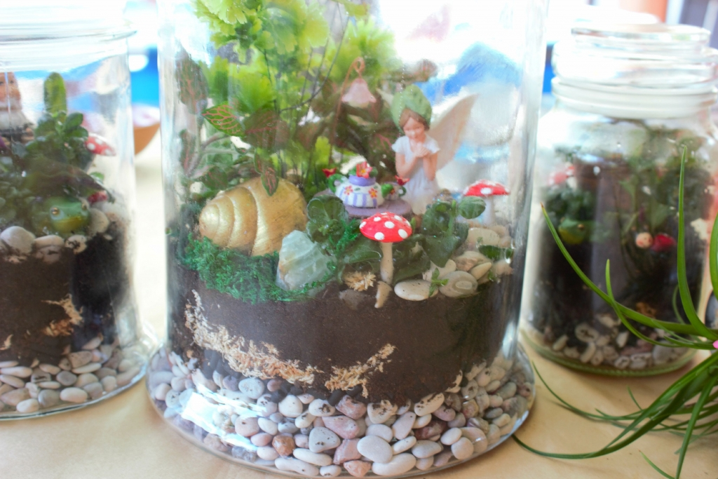 How to make a terrarium fairy garden