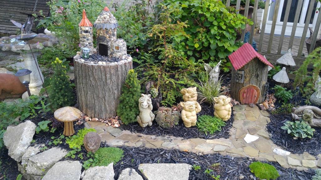 ann-baker-fairy-garden-village-fairy-garden-ideas-blog-post