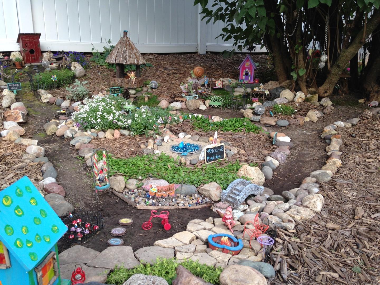 Lilac Hill Fairy Garden - Fairy Garden Ideas 4