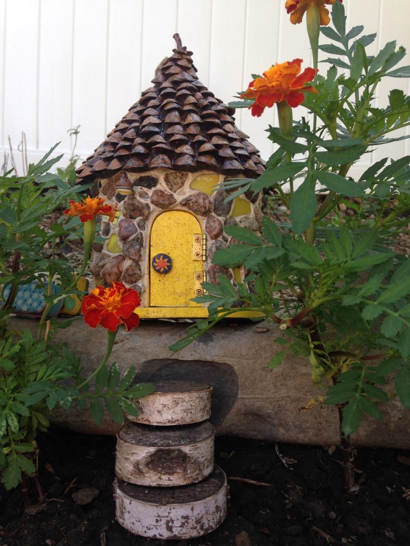 Lilac Hill Fairy Garden - Fairy Garden Ideas 7
