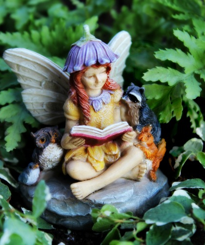 Garden Fairies - Sitting